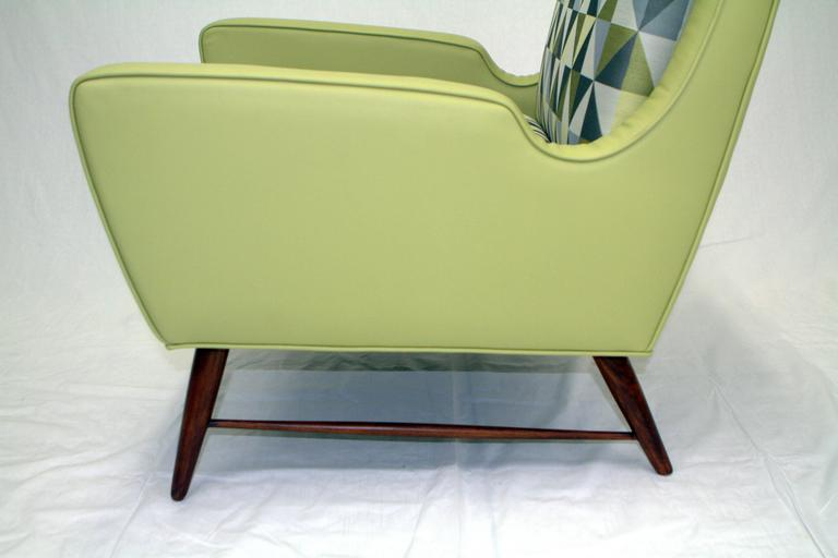 Pair of Italian Lounge Chairs in the Style of Gio Ponti For Sale 3