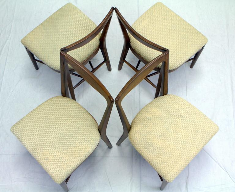 Mid-Century Modern Set of Four Italian Walnut, Scalloped Hide Dining Chairs in Style of Paolo Buffa For Sale