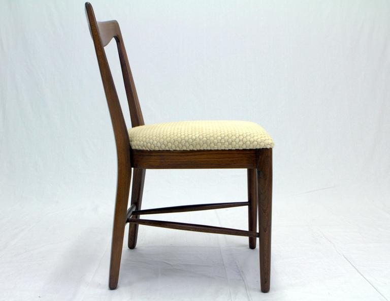 Mid-20th Century Set of Four Italian Walnut, Scalloped Hide Dining Chairs in Style of Paolo Buffa For Sale