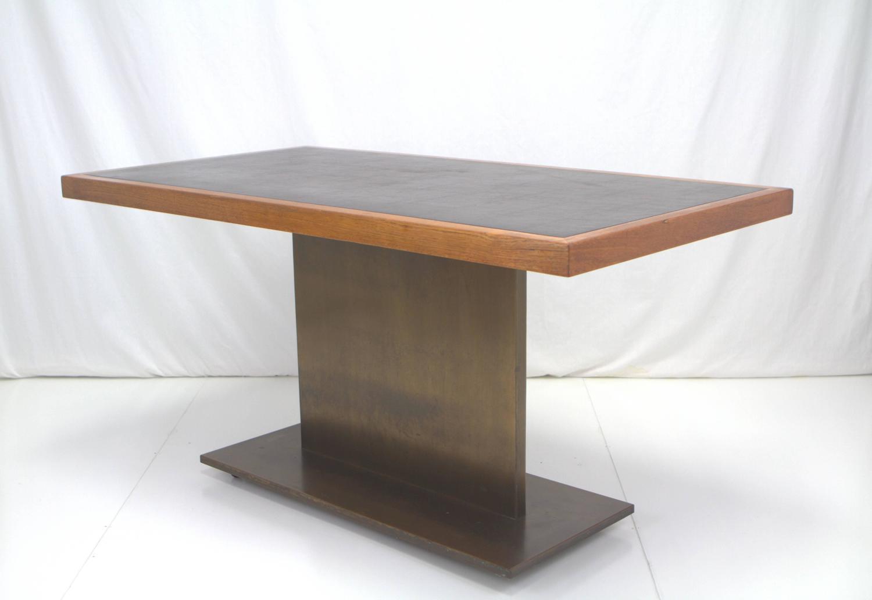 Warren Platner Bronze Base Writing Table for Lehigh  : 1IMG1466z from www.1stdibs.com size 1500 x 1032 jpeg 56kB