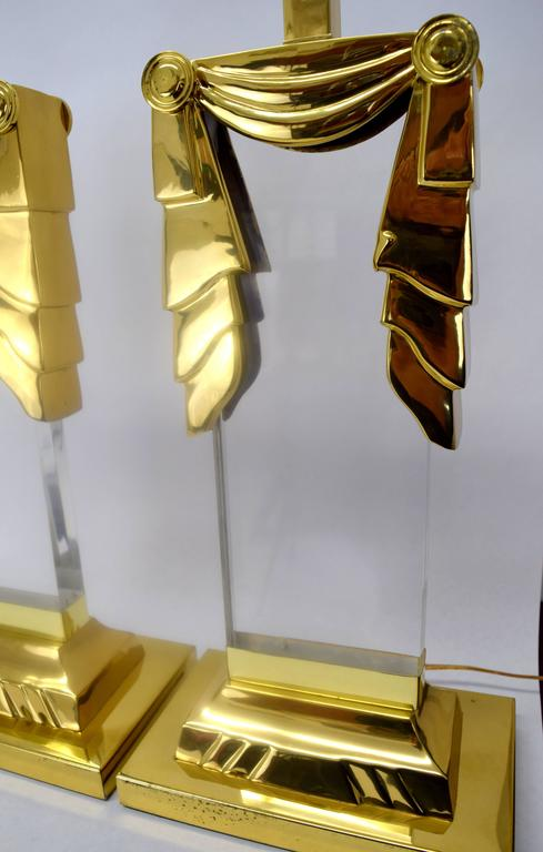 Karl Springer Style Hollywood Regency Lucite and Brass Lamps, Pair  In Good Condition For Sale In Chicago, IL
