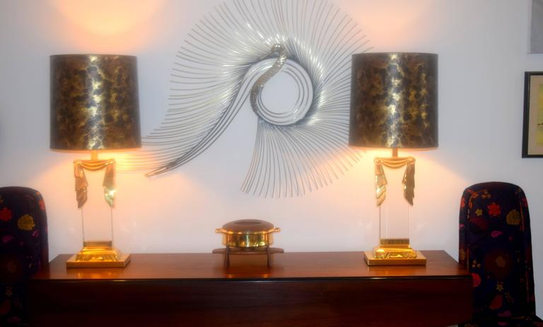 Karl Springer Style Hollywood Regency Lucite and Brass Lamps, Pair  For Sale 5