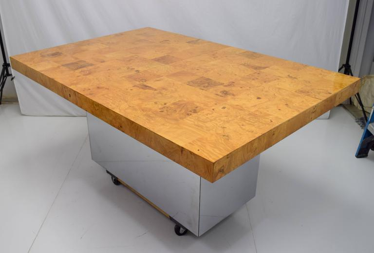 Milo Baughman Burl Wood and Stainless Expanding Dining Table In Good Condition For Sale In Chicago, IL