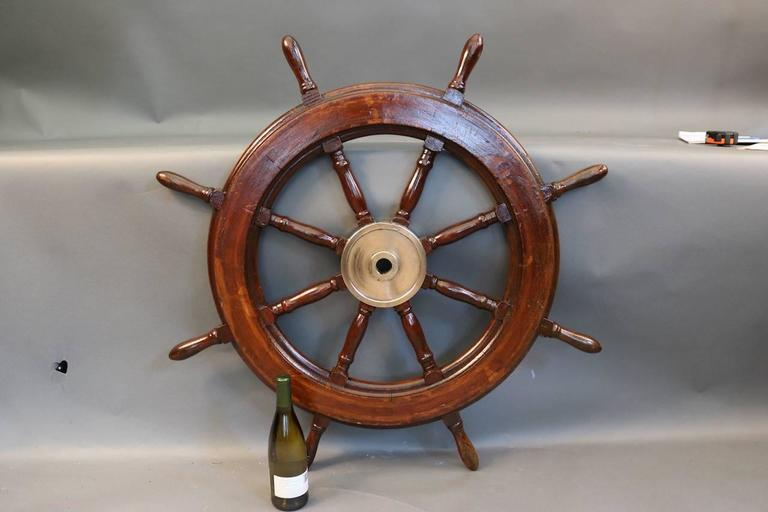 Eight-Spoke Ship's Wheel In Good Condition For Sale In Norwell, MA