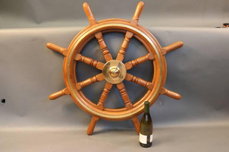 Authentic Eight-Spoke Ship's Wheel In Good Condition For Sale In Norwell, MA