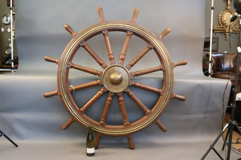 12-Spoke Varnished Ship's Wheel In Good Condition For Sale In Norwell, MA
