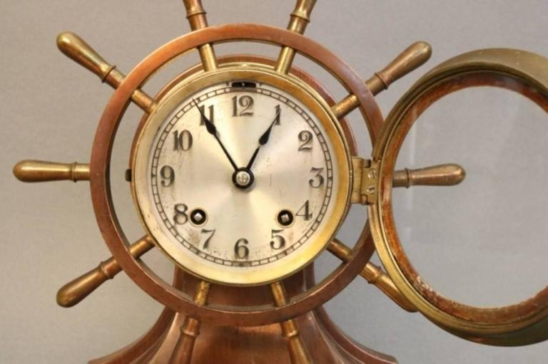 Ship's Bell Clock with Wheel In Good Condition For Sale In Norwell, MA