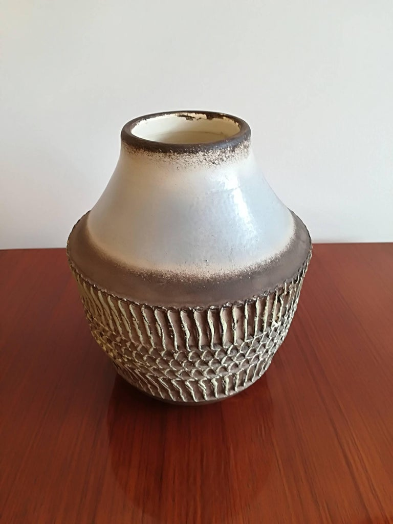 Jean Besnard Art Deco ceramic vase, circa 1930, signed, in excellent condition.