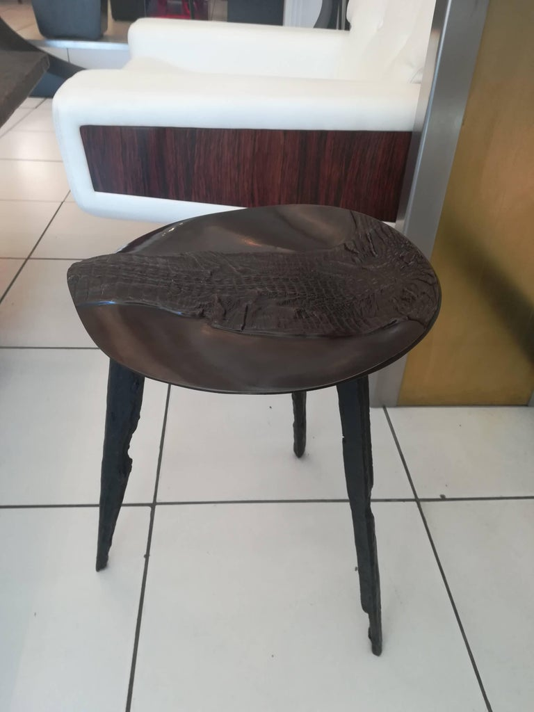 Rare Bronze Stool Top Depicting a Crocodile For Sale 1