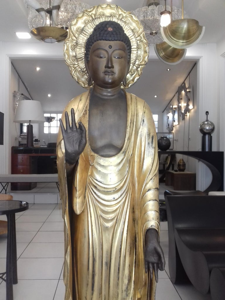 18th Century Amida Buddha in Gold Lacquered Wood In Excellent Condition For Sale In Saint-Ouen, FR