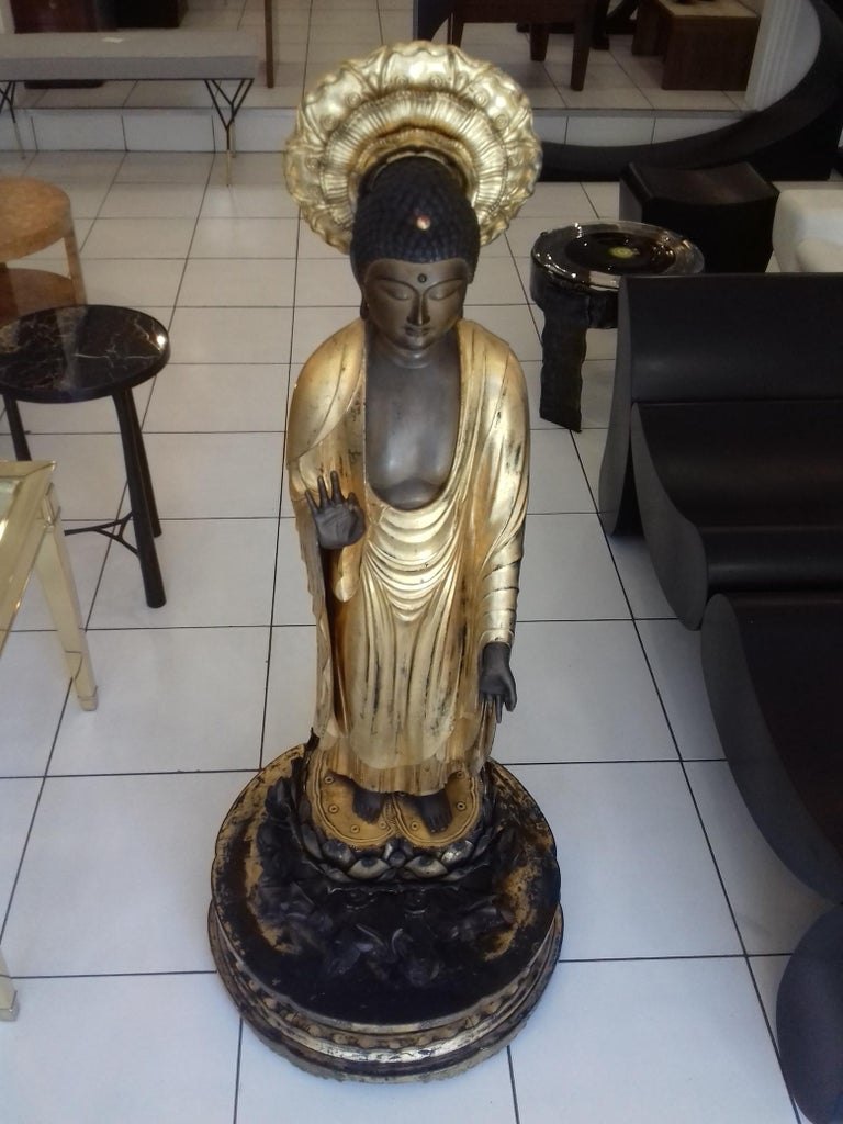18th Century and Earlier 18th Century Amida Buddha in Gold Lacquered Wood For Sale
