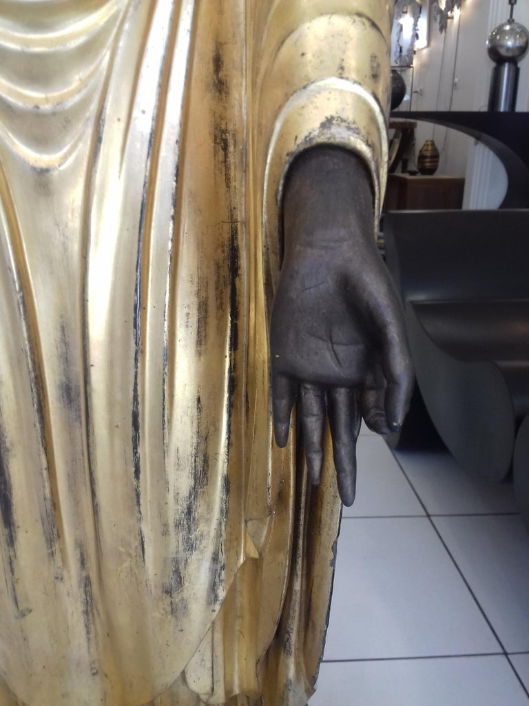 18th Century Amida Buddha in Gold Lacquered Wood For Sale 1