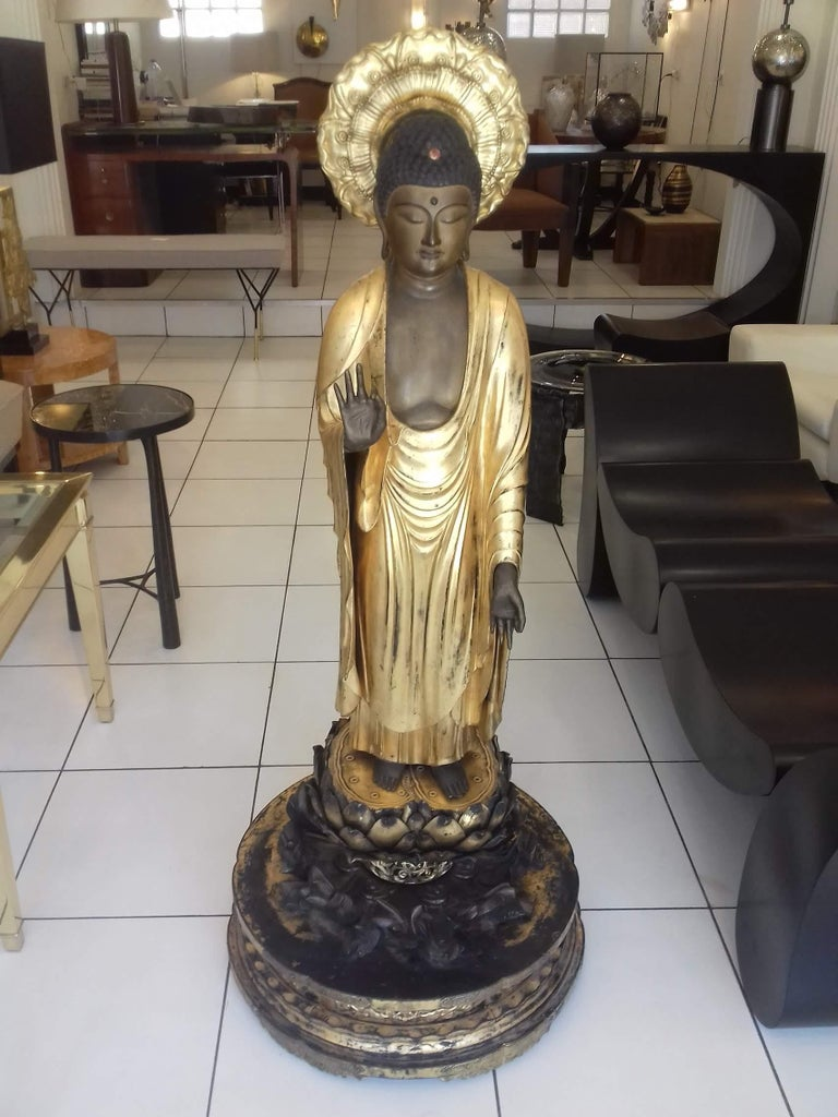 18th Century Amida Buddha in Gold Lacquered Wood For Sale 7