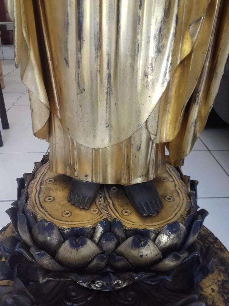 18th Century Amida Buddha in Gold Lacquered Wood For Sale 13