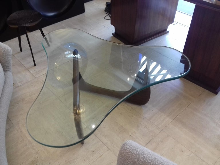 American Rare Coffee Table Attributed to Isamu Noguchi, circa 1960 For Sale