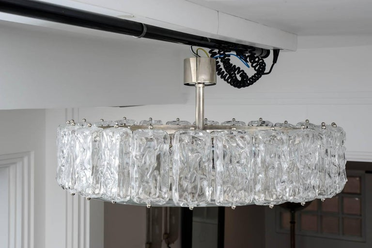 20th Century Murano Frosted Glass Chandelier For Sale