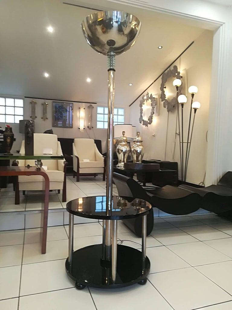 Mid-20th Century Art Deco Lamp Gueridon Black Lacquer and Chrome, circa 1930 For Sale