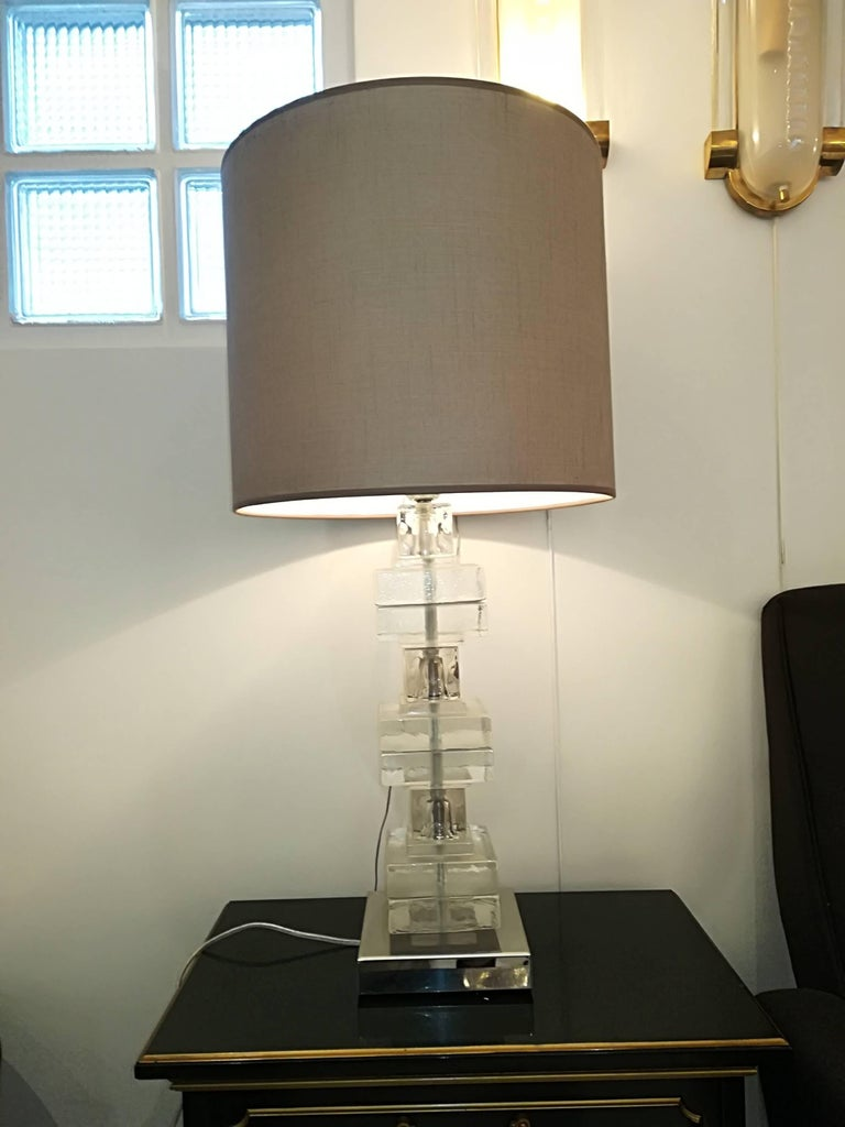 Elegant Pair of Glass Table Lamps For Sale 3