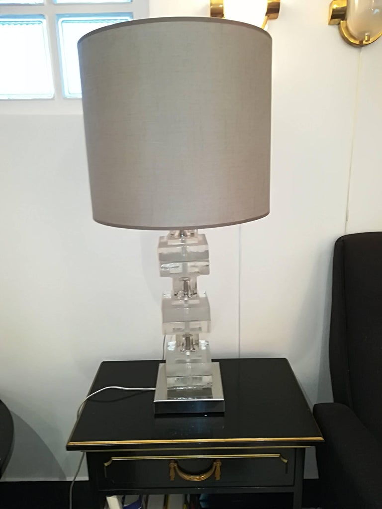 Elegant Pair of Glass Table Lamps For Sale 4
