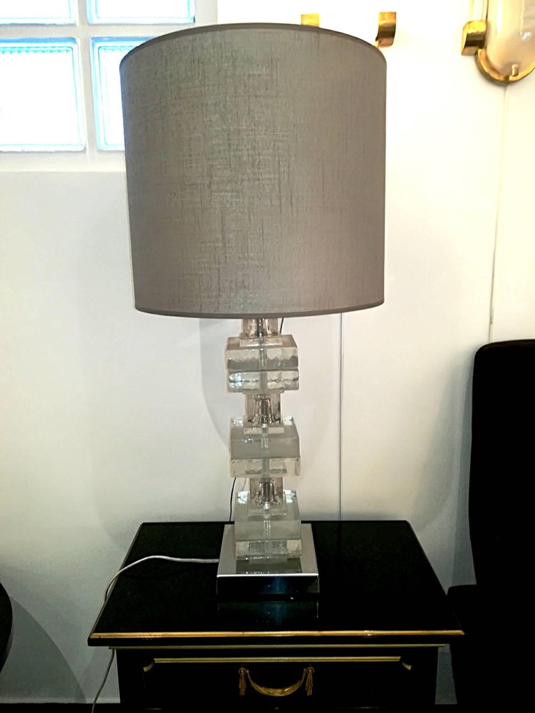 Elegant Pair of Glass Table Lamps For Sale 5