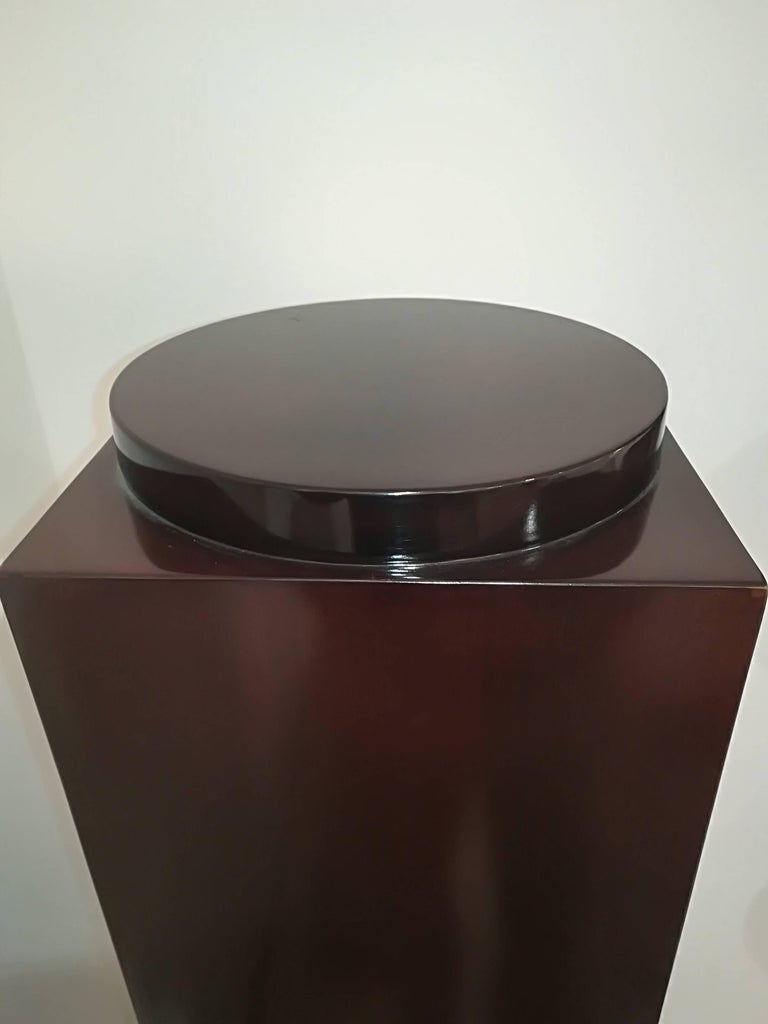 Art Deco Rosewoodl Pedestal Circa 1930, in excellent condition. Round base : dim 30cm