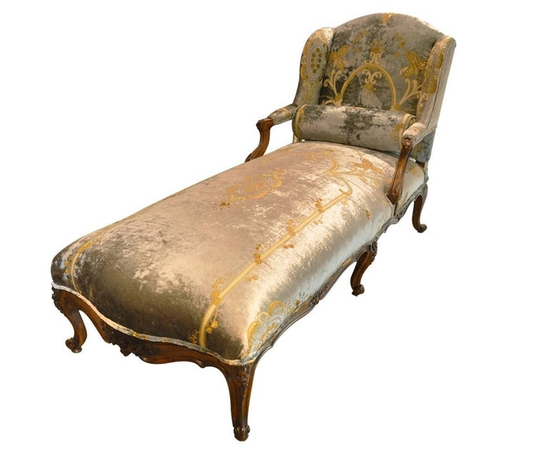 Antique french walnut chaise longue for sale at 1stdibs for Antique french chaise longue