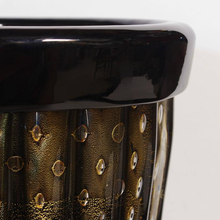 Italian Pair of Murano Black and Gold Pulegoso Vases by Pino Signoretto For Sale