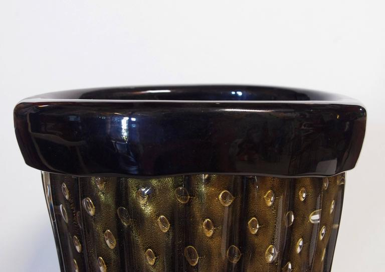Mid-Century Modern Pair of Murano Black and Gold Pulegoso Vases by Pino Signoretto For Sale