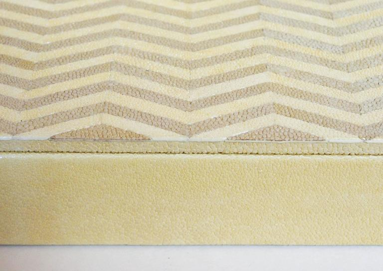 ivory and Brown Shagreen Box In Excellent Condition For Sale In Palm Springs, CA