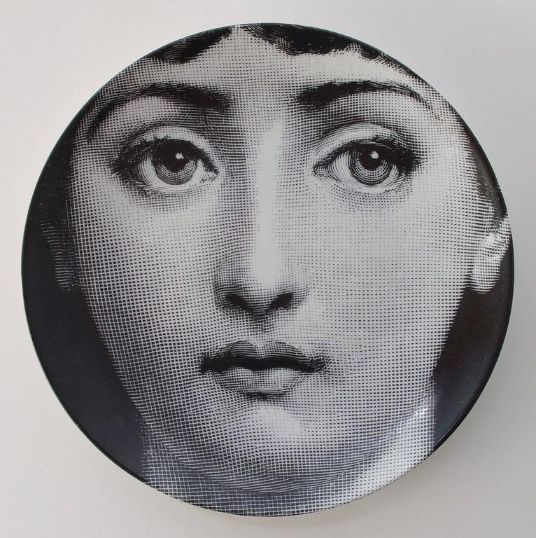 "Set of Four Piero Fornasetti ""Tema e Variazioni"" Plates In Excellent Condition For Sale In Palm Springs, CA"