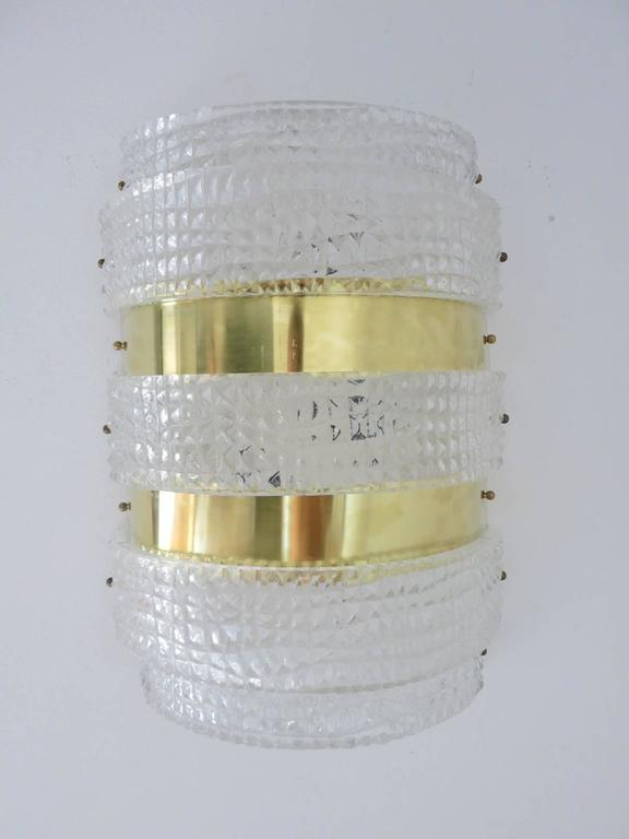 Eight vintage Italian Murano crocodile pattern glass and brass sconces by Barovier e Toso Original