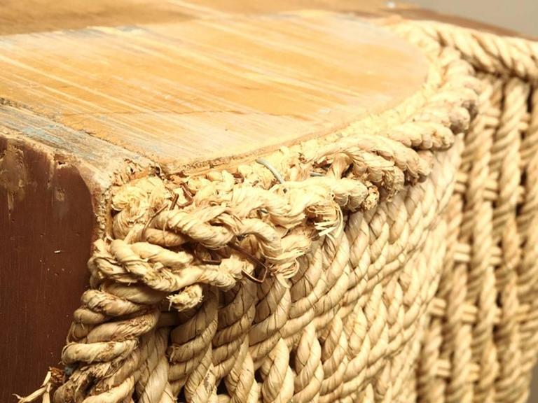 Shania industria italiana mobili woven king sized bedstead for Industria italiana arredi
