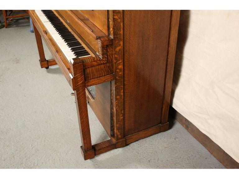Antique Nickelodeon by Stuyvesant Piano Company, NY 2