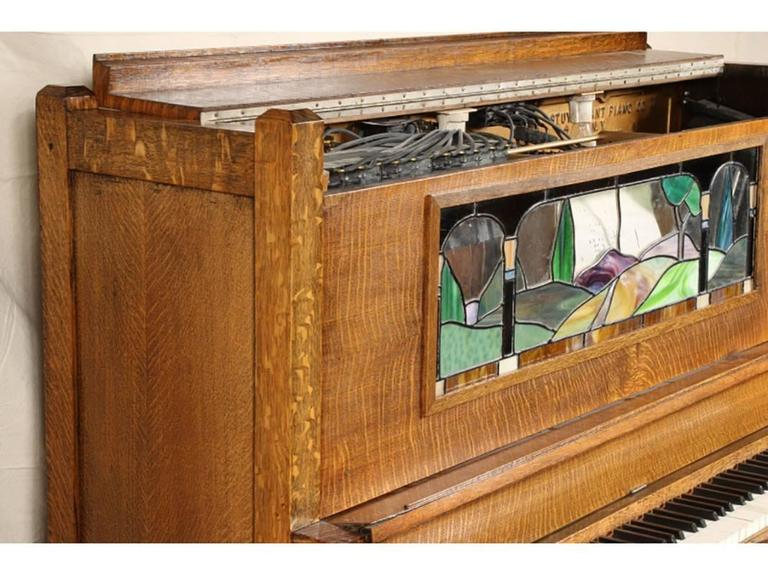 Antique Nickelodeon by Stuyvesant Piano Company, NY In Good Condition For Sale In Bridgeport, CT