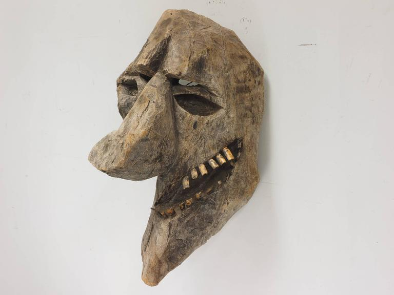 Primitive Carved Tree Fern Wood Mask In Good Condition For Sale In Bridgeport, CT