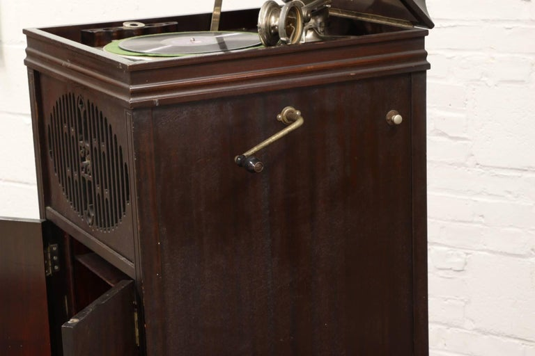American Antique Brunswick Victrola in Mahogany Cabinet For Sale