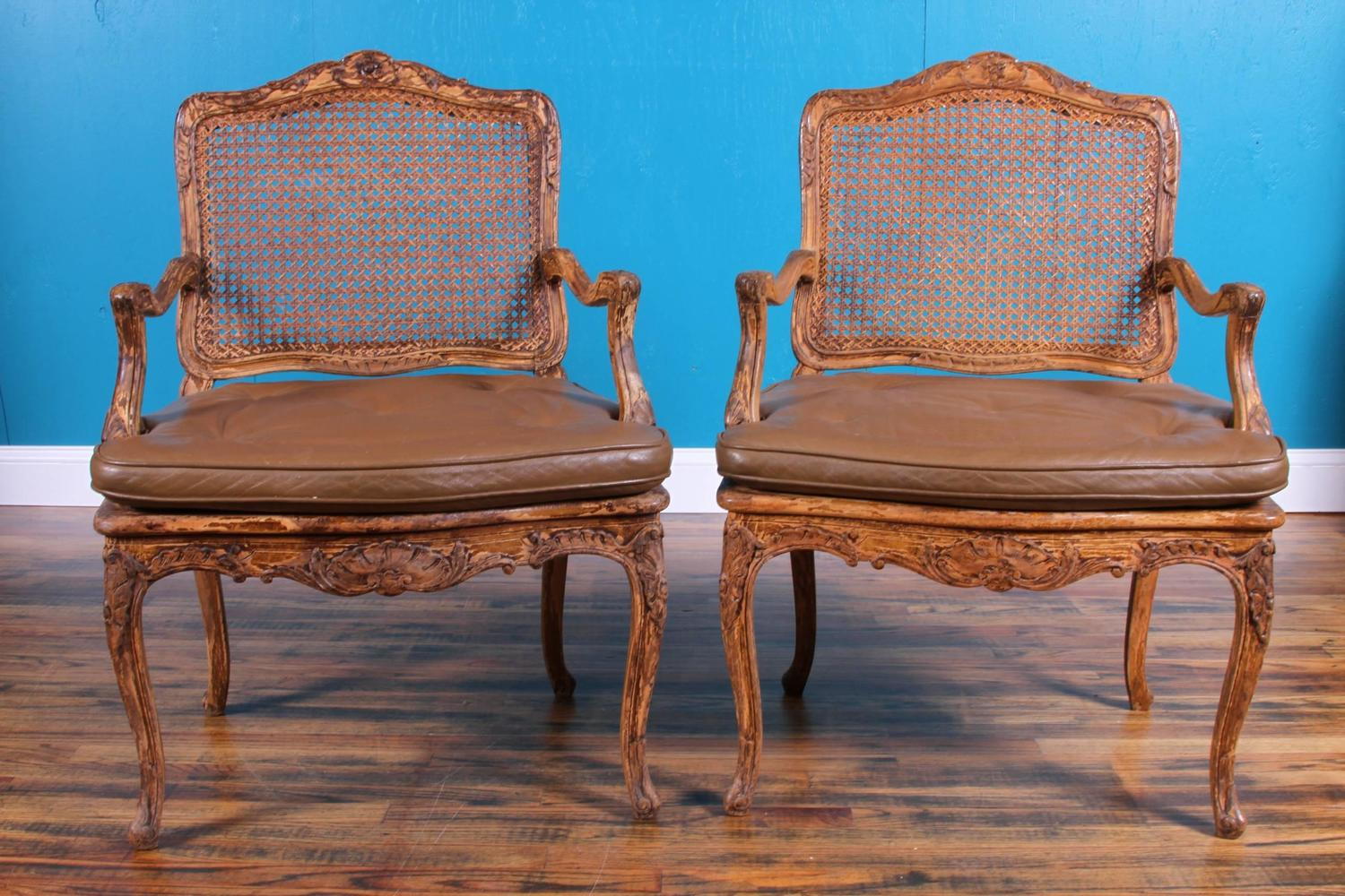 1930s custom pair of louis xv style fauteuils at 1stdibs. Black Bedroom Furniture Sets. Home Design Ideas
