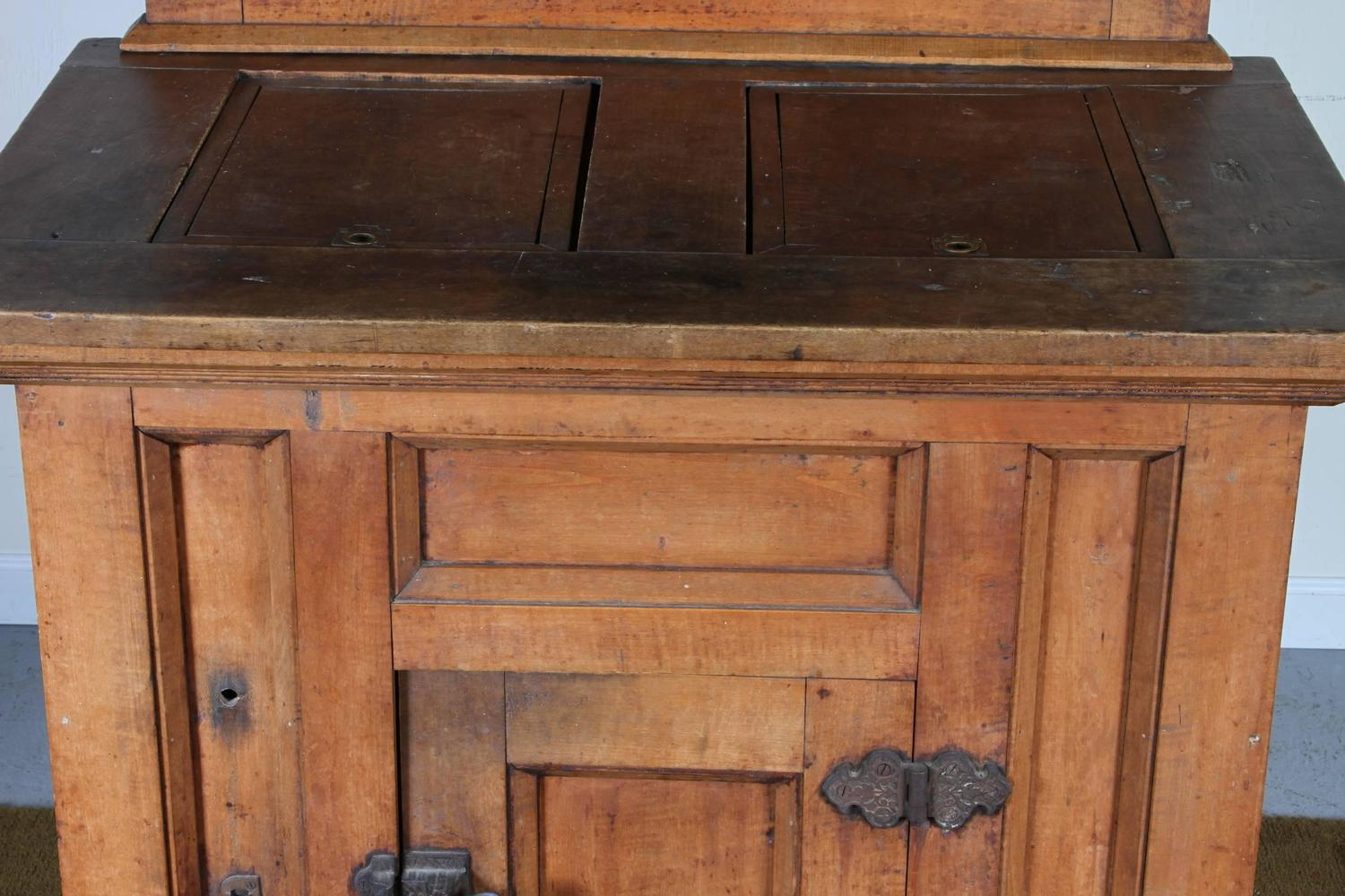 Primitive Canadian Antique Ice Hutch At 1stdibs
