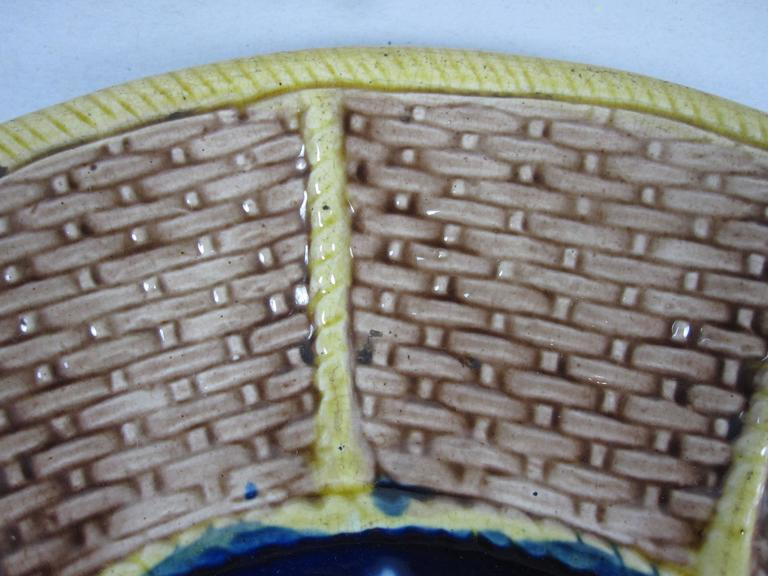 English Majolica Fern and Floral, Wicker Basket Form Cheese Board Platter In Good Condition For Sale In Philadelphia, PA