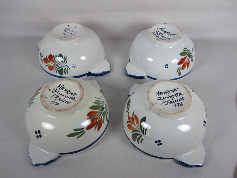 Vintage French Faïence Henriot Quimper Two-Handled Lug Bowls & Lids, service/4 In Excellent Condition For Sale In Philadelphia, PA