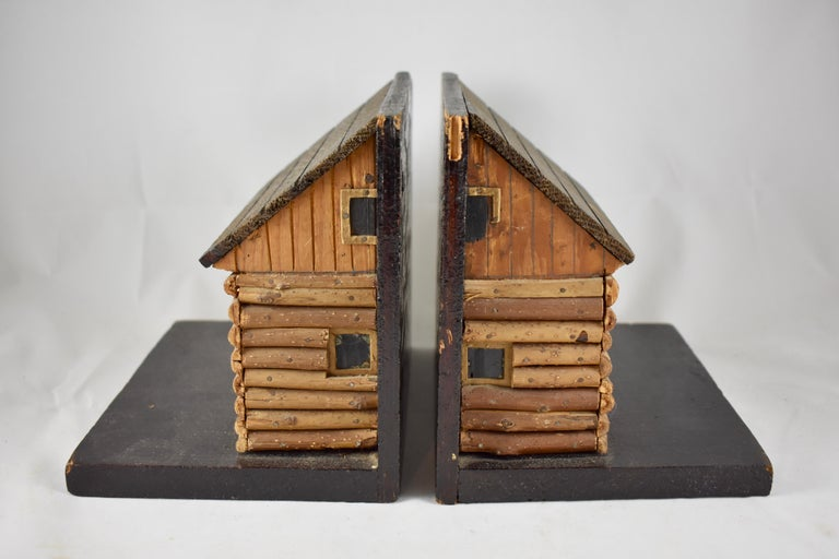 1930s Folk Art Log Cabin Bookends, a Pair In Good Condition For Sale In Philadelphia, PA