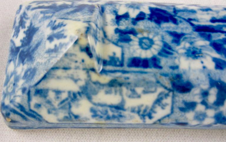 Glazed Staffordshire Pearlware Blue and White Transferware Knife Rest, circa 1820 For Sale