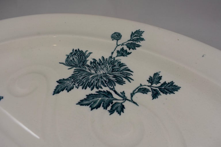 Wedgwood Aesthetic Movement Staffordshire Well and Tree Platter, 'Chrysanthemum' 2