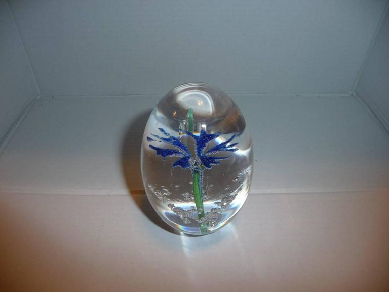 Paperweight Egg Daum Blue Flower In Excellent Condition For Sale In Grenoble, FR