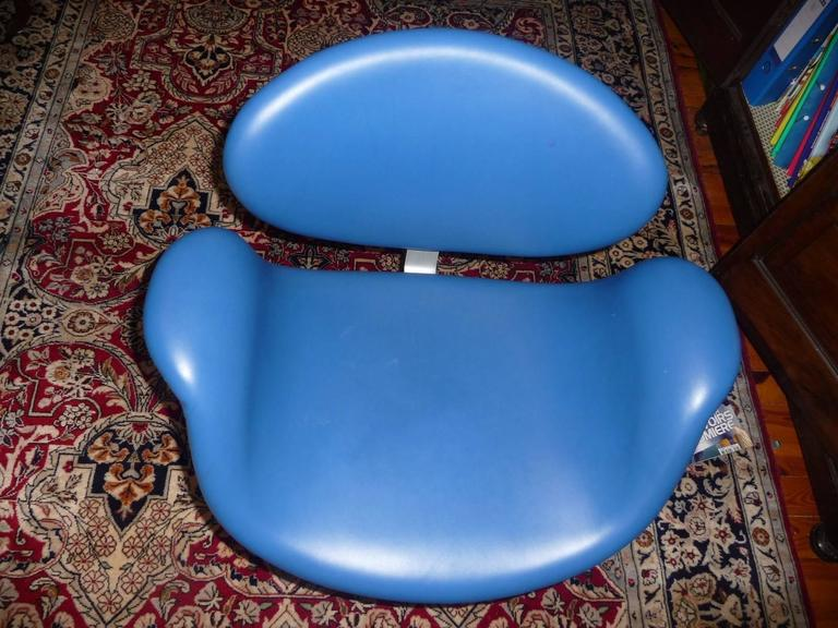 Artifort Tulip Leather Armchair by Pierre Paulin, 1965 For Sale 4
