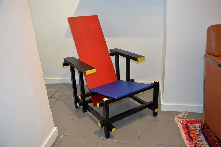 Red and blue chair by thomas rietveld for cassina at 1stdibs for Chaise rouge et bleue