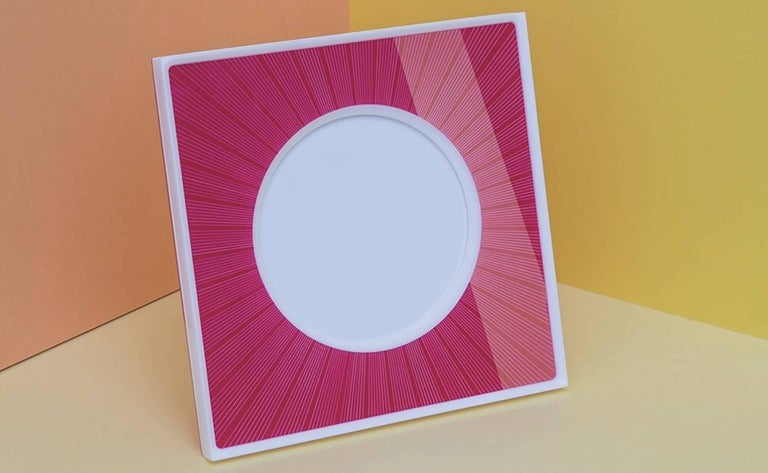 Italian Pop Design Shocking and White Plexiglass Picture Frame, Sharing Shocking For Sale 2