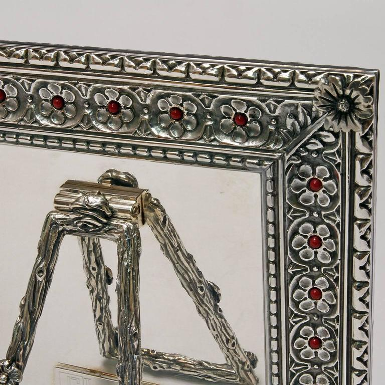 Italian Arts and Crafts  Lost Wax Silver Picture Frame, Harmony Coral In Good Condition For Sale In Sarezzo, IT