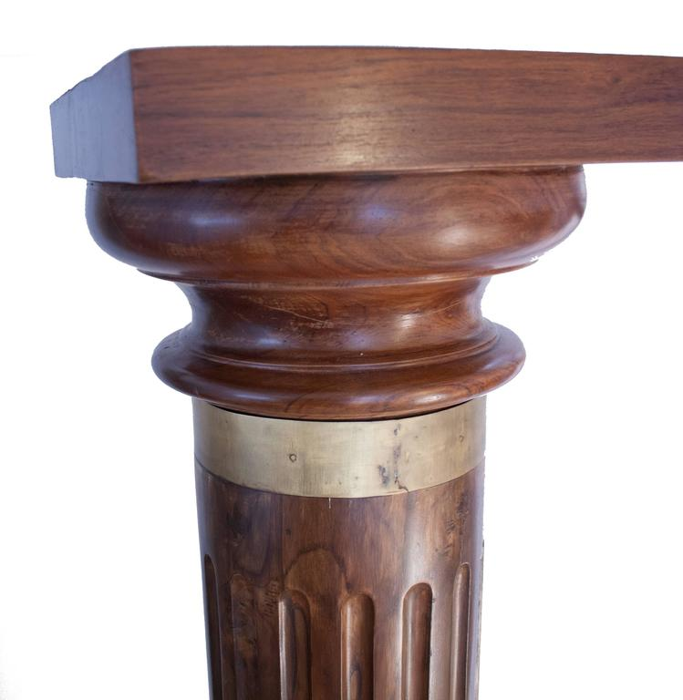 Anglo-Indian Pair of British Colonial Teak Wood Columns For Sale