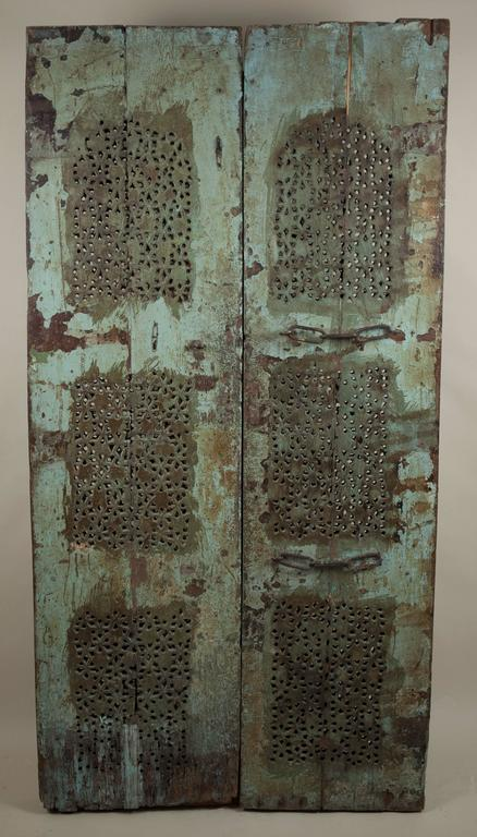 Carved, Painted Wood Door from India In Good Condition For Sale In Shelburne Falls, MA
